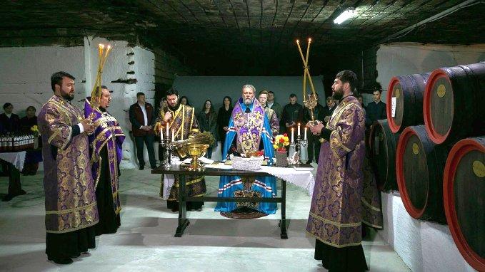 Sfintirea vinului pastoral la Cricova